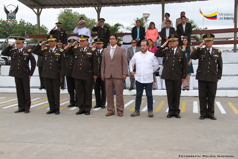 Ceremonia de relevo de mandos de la Policía Nacional en Manabí (8)