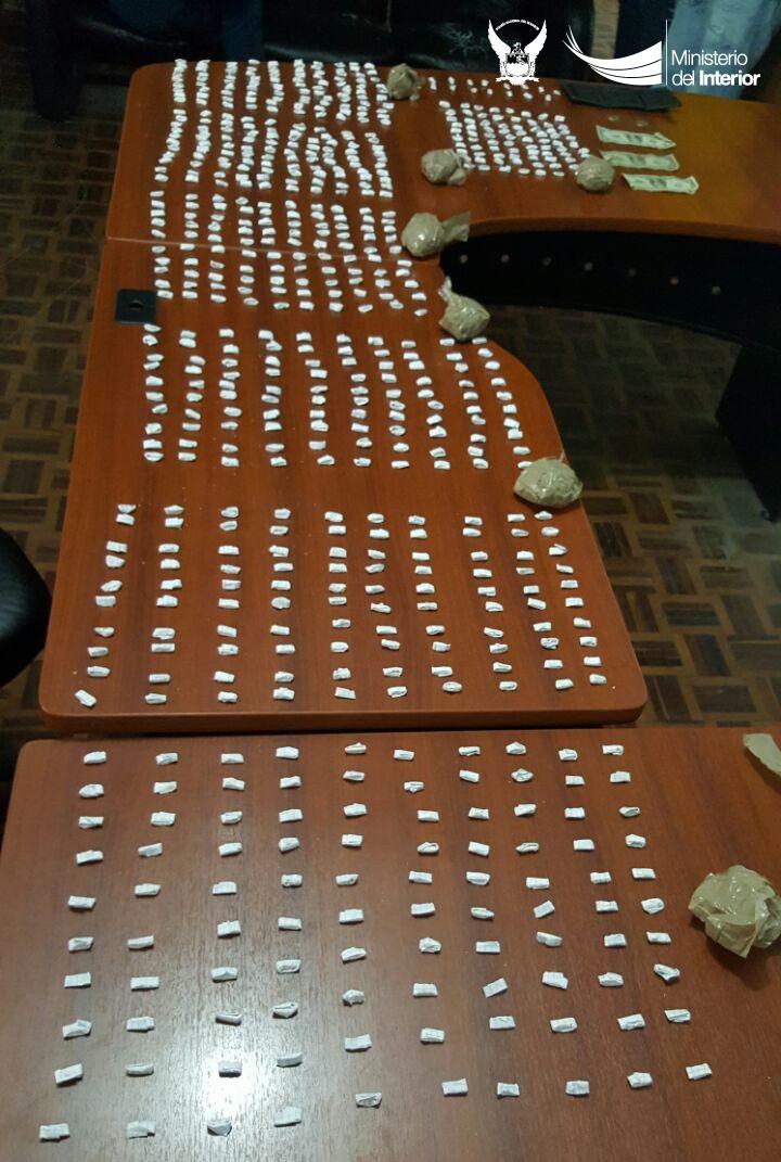 2240-dosis-de-cocaina-fueron-retiradas-de-las-calles-manabitas-en-operativ-antinarcoticos-realizado-en-manta