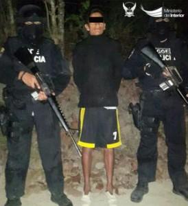 carlos-a-presunto-profugo-de-el-rodeo-recapturado-en-el-recinto-canaveral-del-distrito-sucre