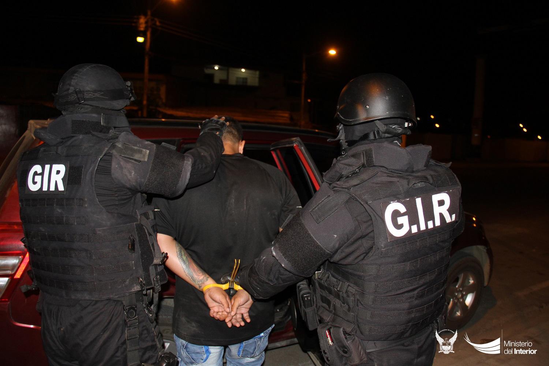 procedimiento-policial-durante-desarticulacion-de-banda-delictiva-en-manabi-4