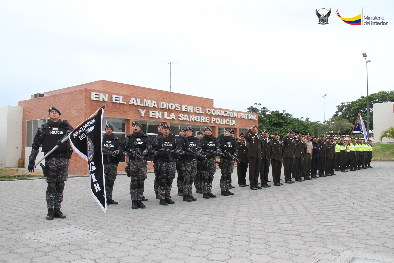 ceremonia-de-clausura-del-curso-de-buceo-tactico-realizado-en-las-instalaciones-del-gir-en-jaramijo-1