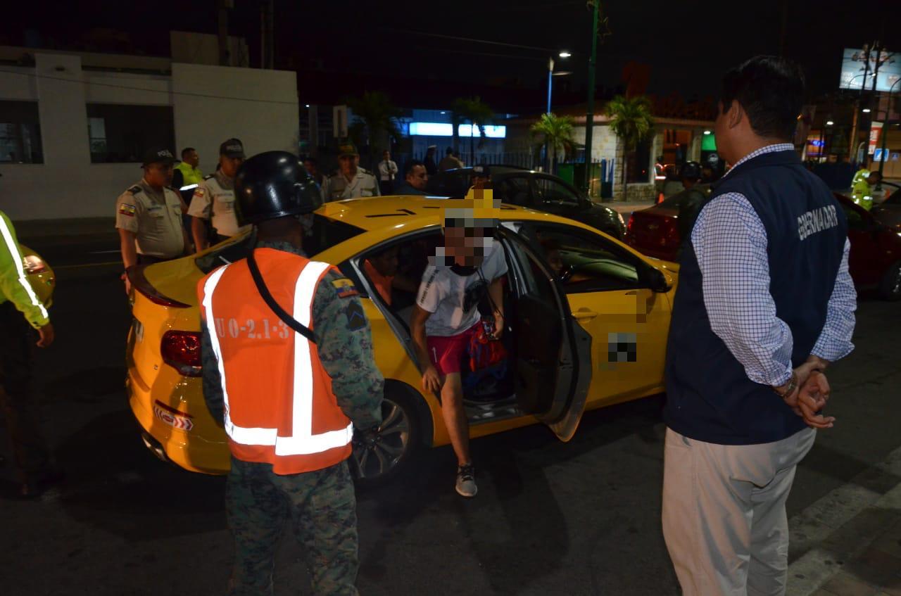 OPERATIVOS CONJUNTOS FUERZAS ARMADAS Y POLICÍA NACIONAL SE DESARROLLAN EN MANABÍ