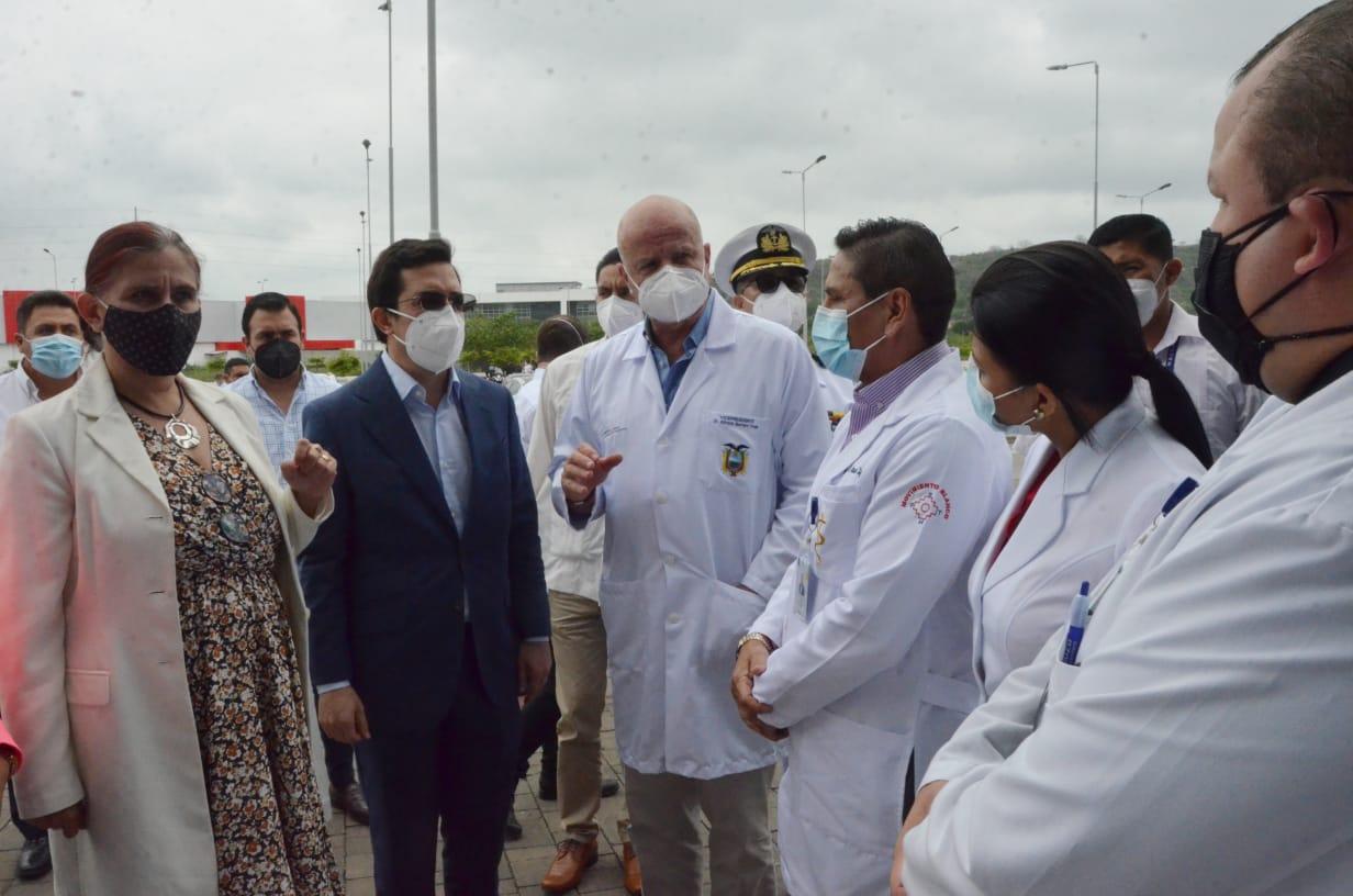 AUTORIDADES CONSTATAN QUE FUNCIONAN SOLO 2 DE LOS 13 QUIRÓFANOS DEL HOSPITAL DE ESPECIALIDADES DE PORTOVIEJO