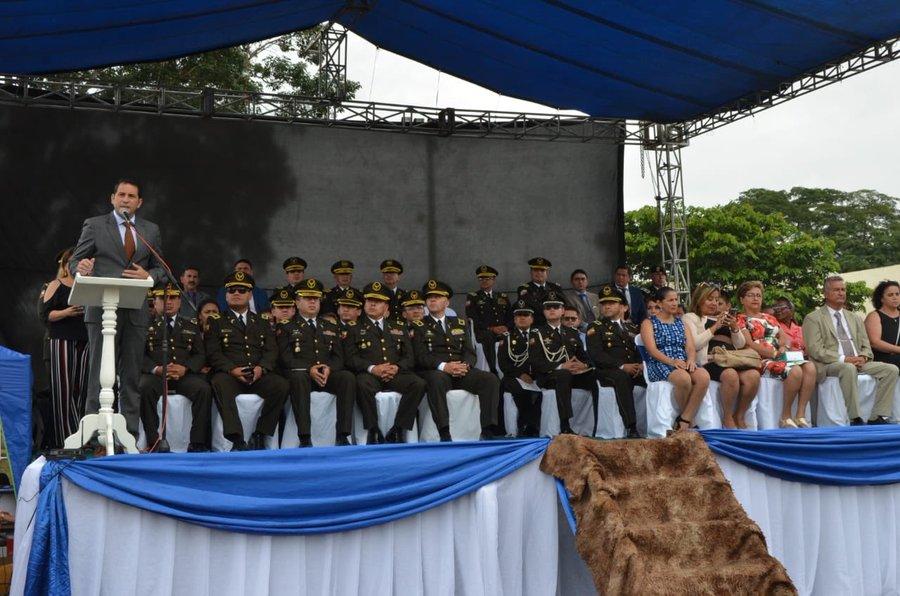 119 NUEVAS POLICÍAS SE GRADUARON EN CHONE